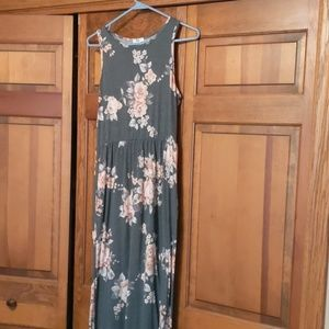 large loral sleeveless floorlength dress w pockets